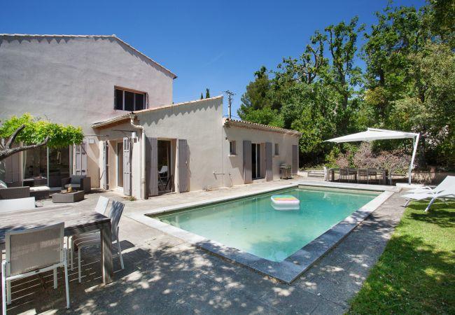 Villa in Aix-en-Provence - La Bastide de Célony